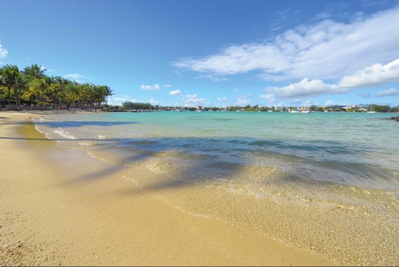 le-mauricia-beach-1