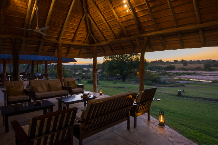 Inyati_main_lodge_sunset.png.800x470_q90_upscale