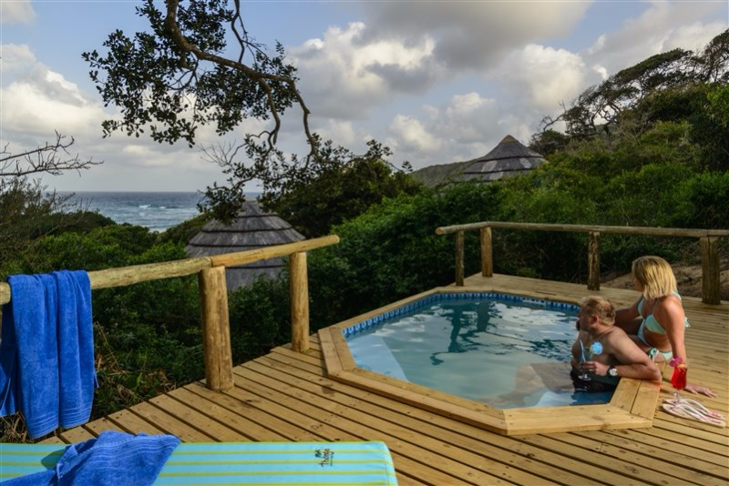 Honeymoon-Suite-deck-pool