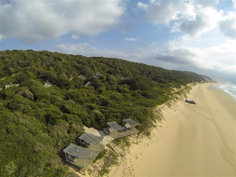 Thonga-Beach-Lodge-Aerial-Lodge-Beach