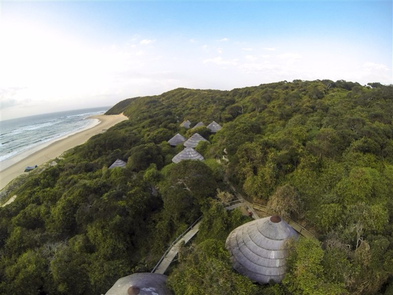 Thonga-Beach-Lodge-Aerial-of-rooms