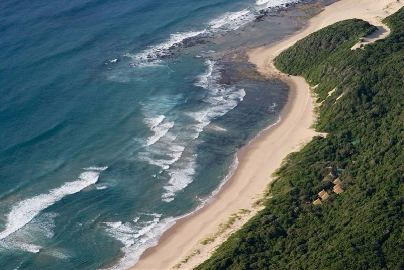 thonga-beach-aerial-2