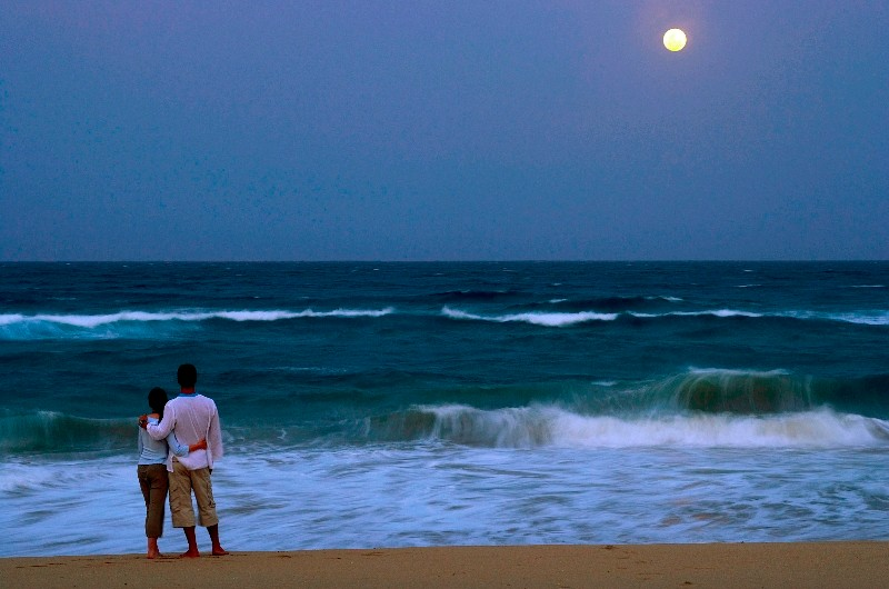 thonga-beach-moon-rise