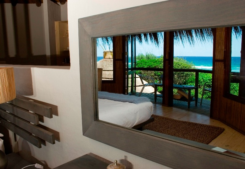 thonga-beach-room-mirror