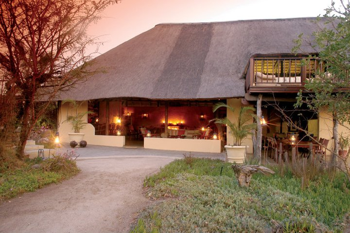 kambaku-safari-lodge-lounge-lapa
