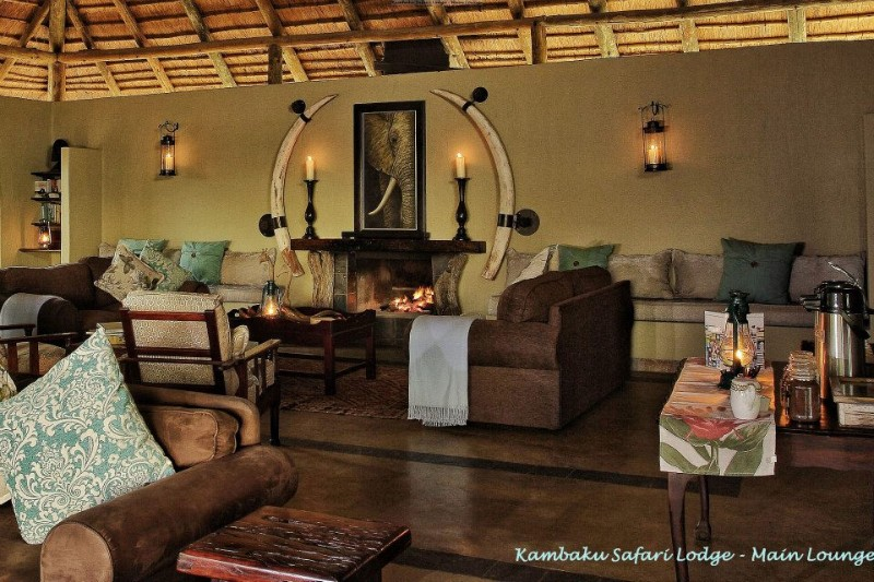 kambaku-safari-lodge-lounge-relaxing-area