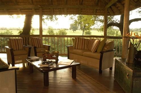 selati-deck-lounge