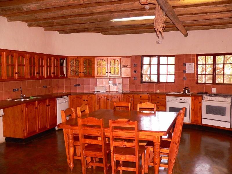 Izintaba-Lodge-kitchen