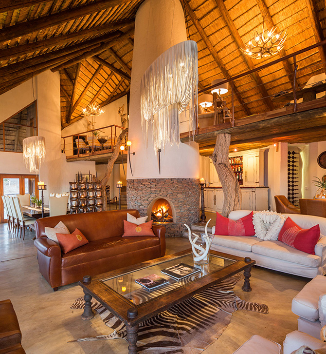 royal-madikwe-clubhouse-relaxing-area