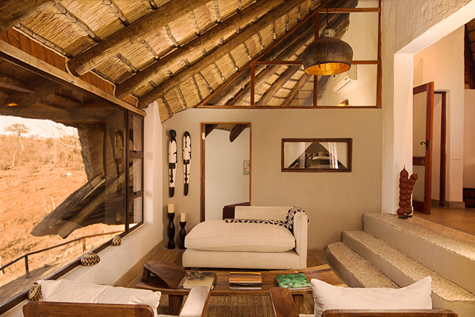 royal-madikwe-emperior-suite-lounge