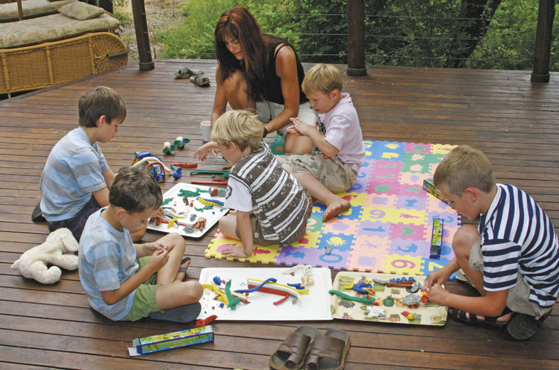 kids-fun-on-the-deck-at-tuningi