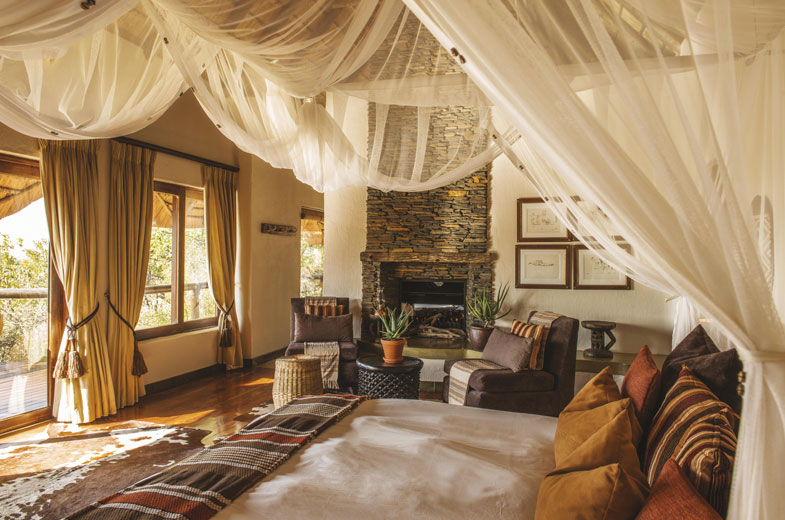 luxury-accommodation-tuningi-safari-lodge
