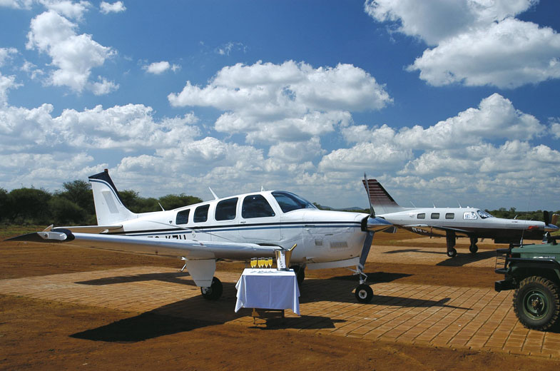 tuningi-private-charter-plane-madikwe-1