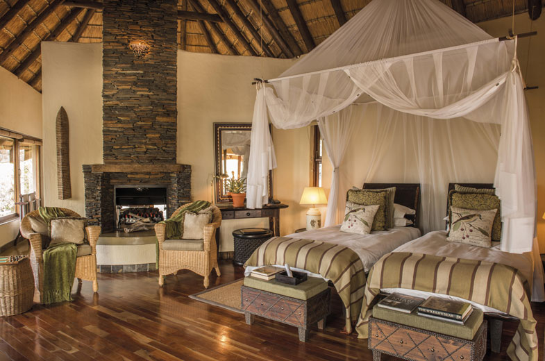 twin-suite-bedroom-little-tuningi-south-africa