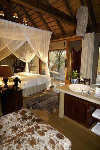 Camp-jabulani-Accommodation_Luxury-and-Deluxe-Suite_11