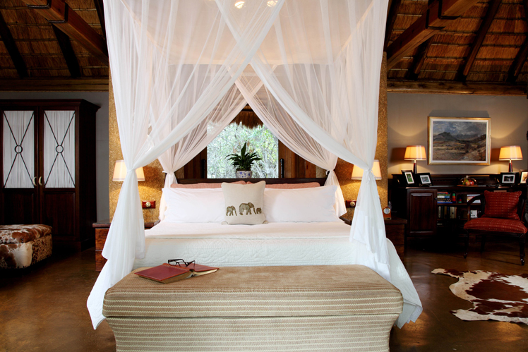 Camp-jabulani-Accommodation_Luxury-and-Deluxe-Suite_9