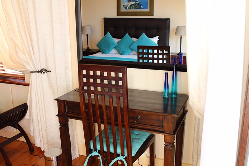 Room-4-console-table-2