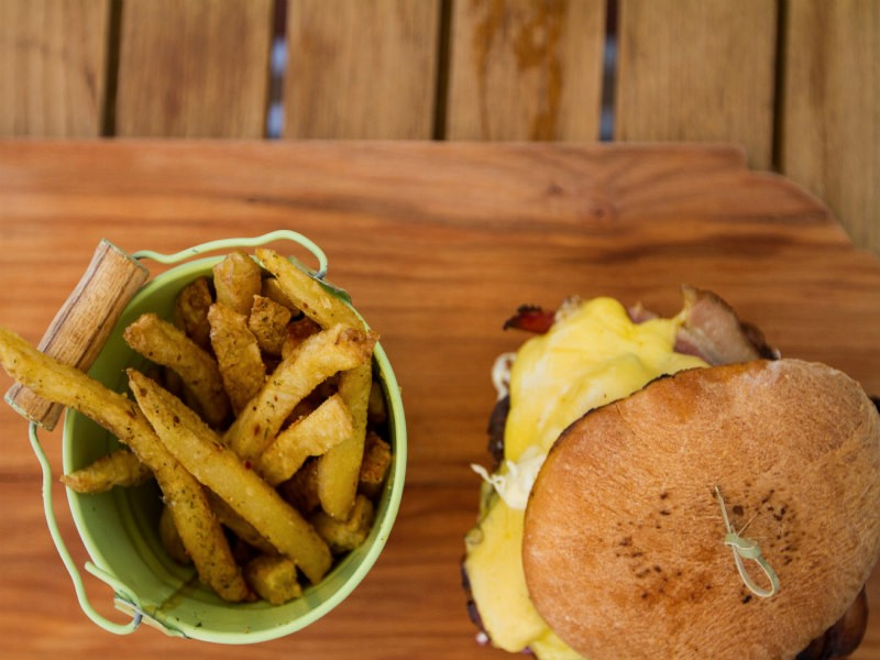 Paulinas-Burger-and-Fries