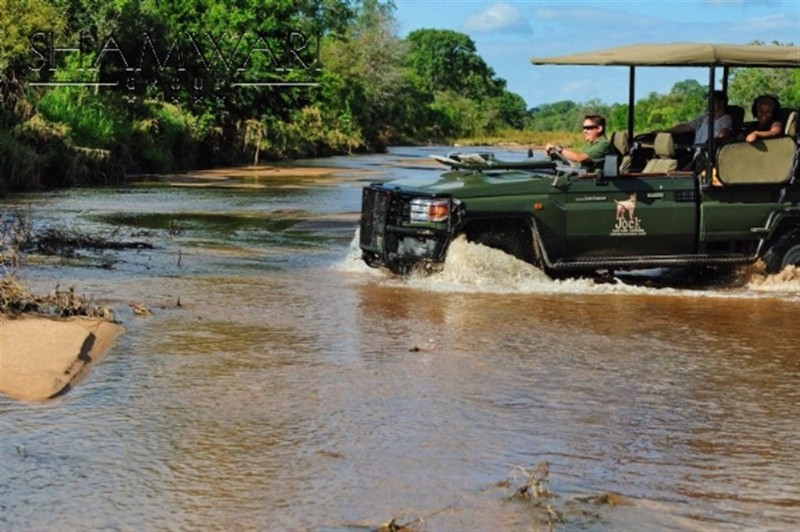 jock-game-drive-river-crossing