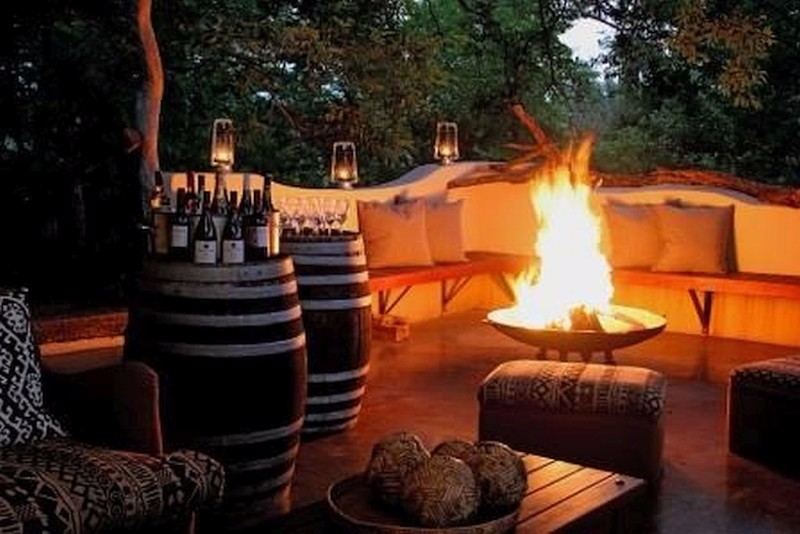 jock-safari-lodge-bar-area-wine-tasting