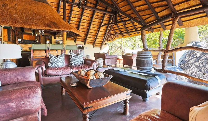 jock-safari-lodge-lounge