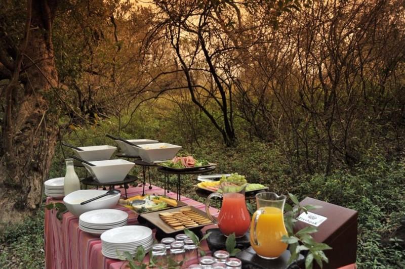 Bush-Breakfast3