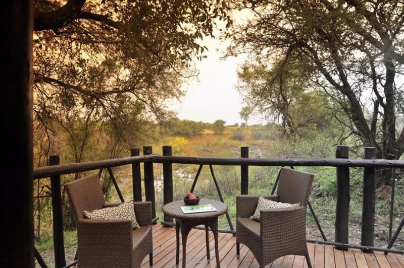 Madikwe-River-Lodge-Deck