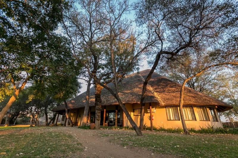 manor-ndzuti-emgatland