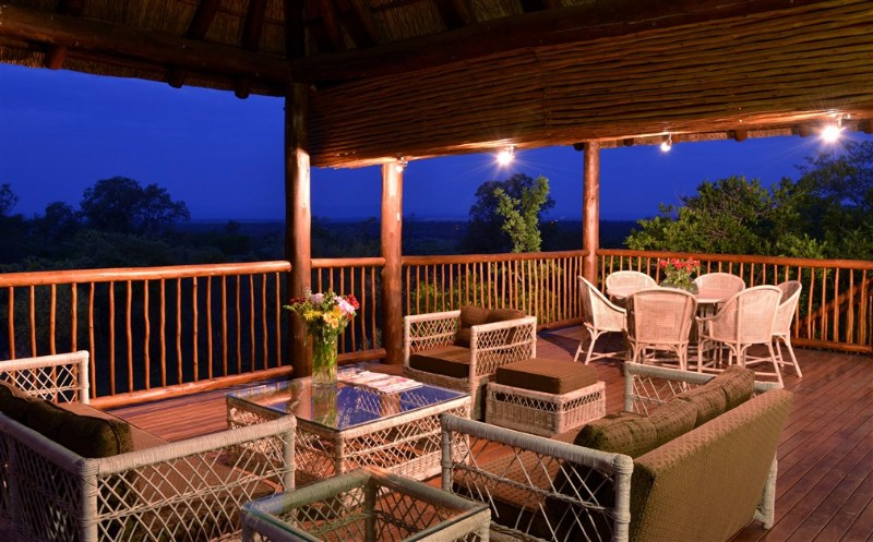 MAB-VILLA-Outdoor-Deck-Area-1