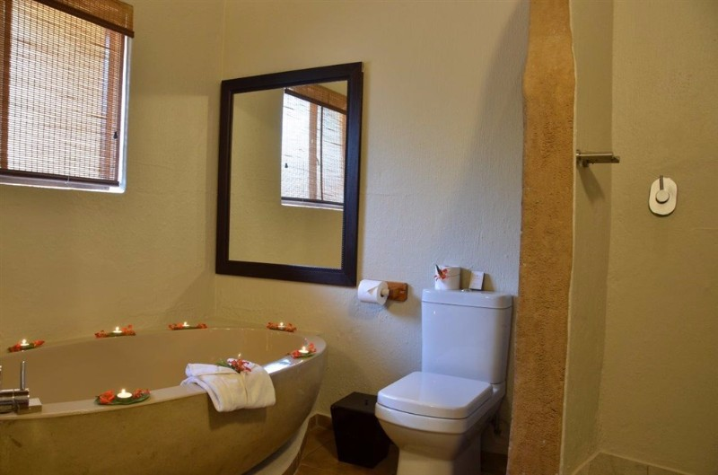 MABULA-SUITE-BATHROOM-1