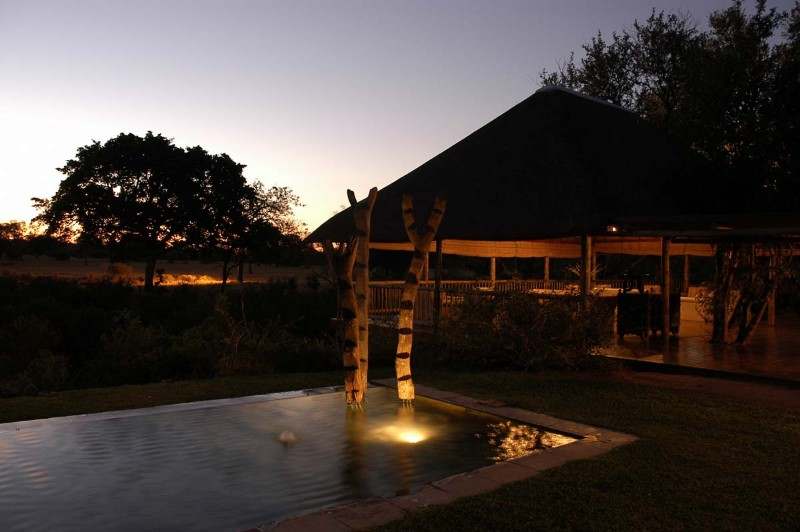 Bush-Lodge-View-@-Night