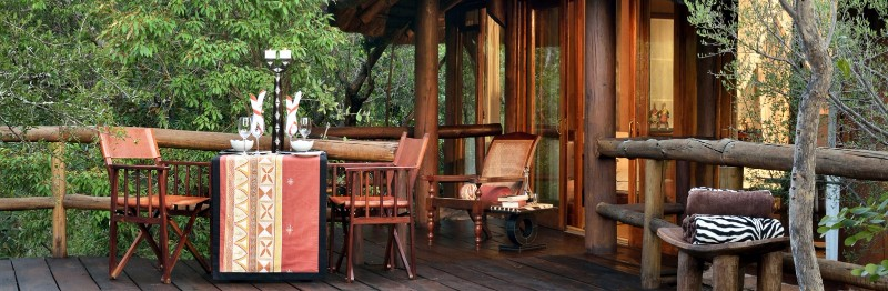Outsidedecking_Makwetisafarilodge_Southafrica