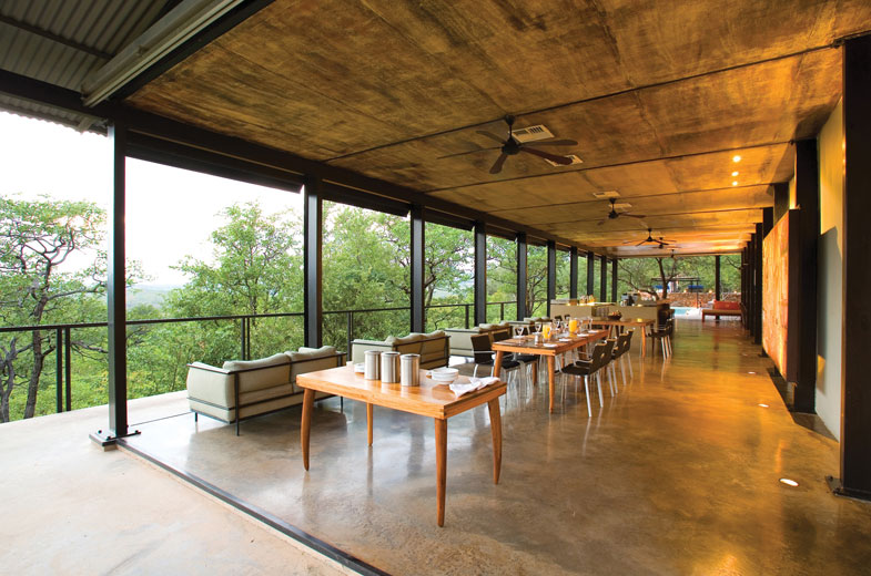 dining-area-in-the-heart-of-the-african-bush