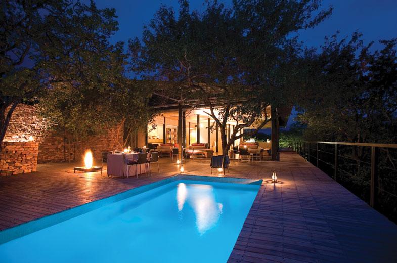 luxury-makuleke-lodge-swimming-pool-in-the-evening