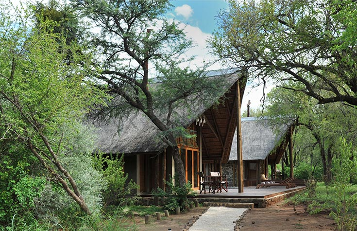 Black_Rhino_Entrance-to-Lodge-1