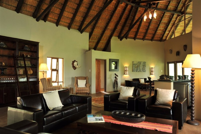 Black rhino game lodge LOUNGE-AREA