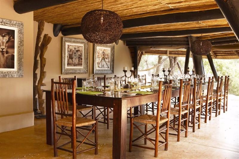 DINING_ROOM2