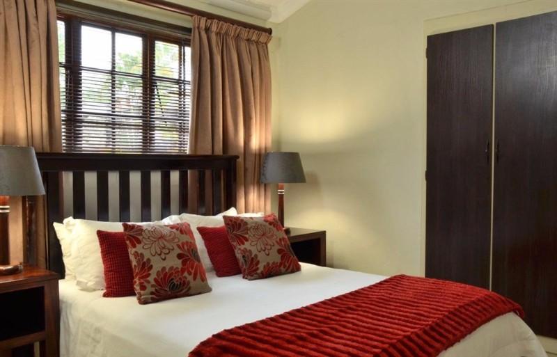 INGWENYAMA-Suite-Bedroom