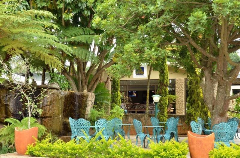 INGWENYAMA-Terrace-Garden