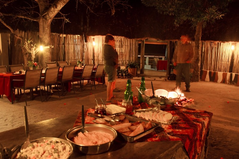 Umkumbe-Safari-Lodge-Boma-2