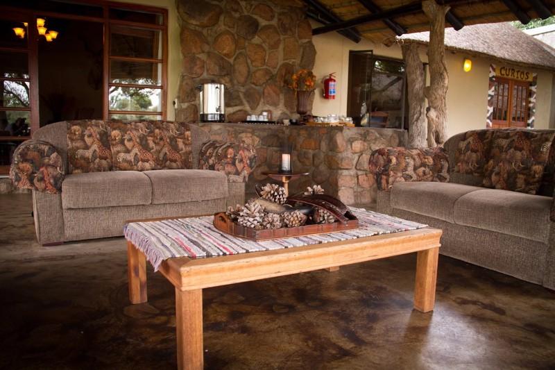 Umkumbe-Safari-Lodge-Coffee-area