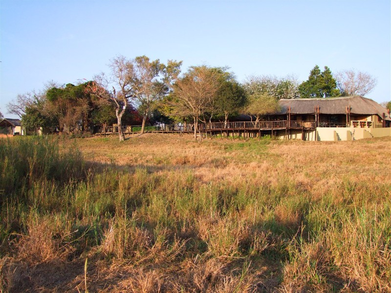 Umkumbe-Safari-Lodge-Day