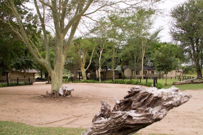 Umkumbe-Safari-Lodge-Entrance