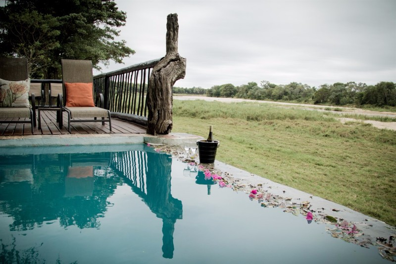 Umkumbe-Safari-Lodge-Pool
