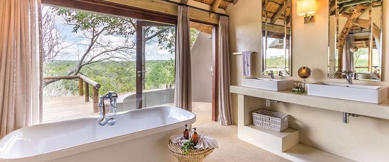 safari-lodge-bathroom-luxury