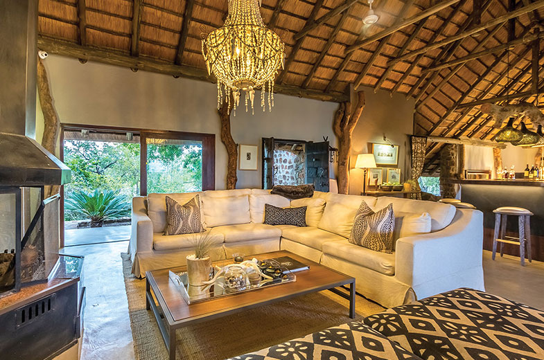 the-comfortable-luxury-leopard-hills-lounge