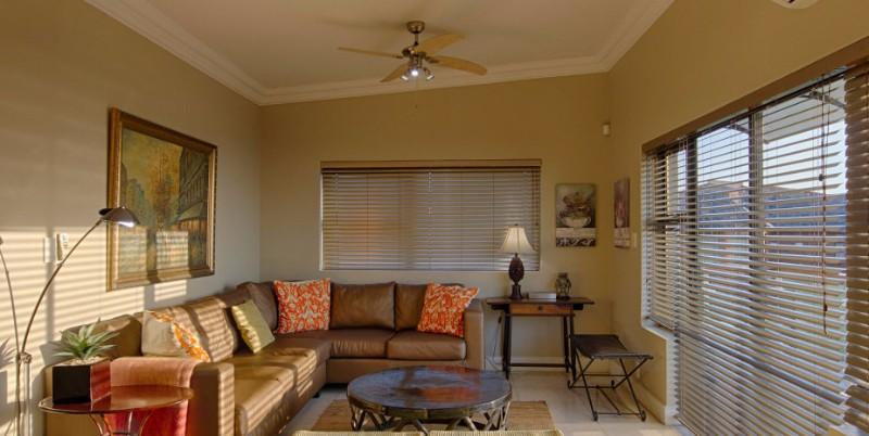 twobedroom-lounge2