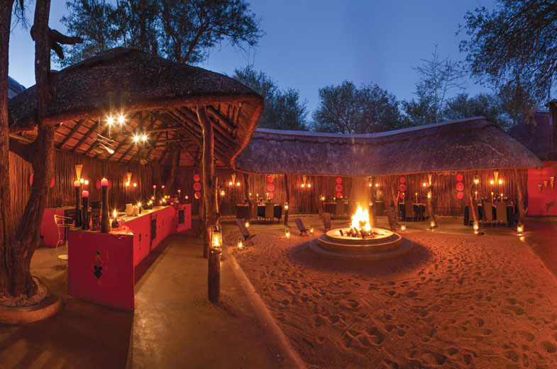 luxury-accomodation-boma-dining