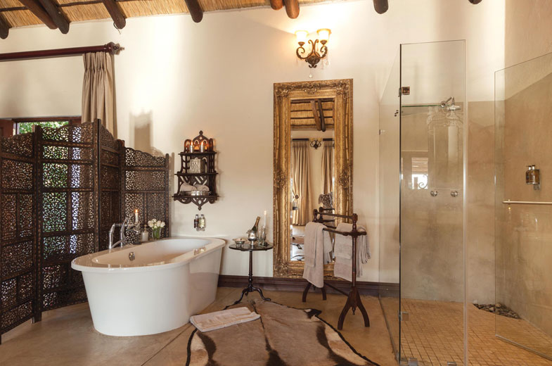 luxury-bathroom-facilities-in-your-timbavati-honeymoon-suite