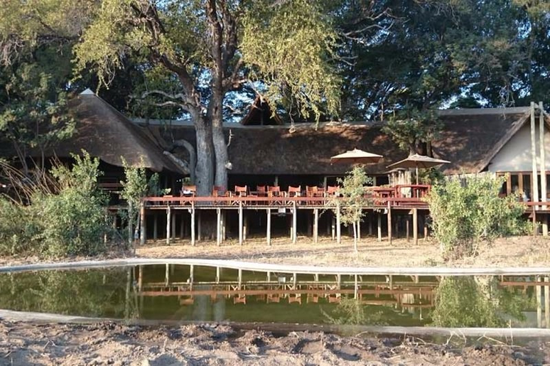 Simbavati-River-Lodge-lodge-from-river